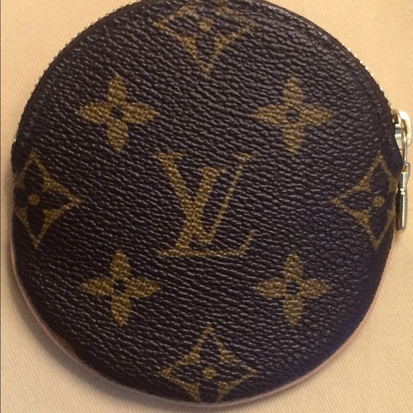 Louis Vuitton Handbags - LOUIS VUITTON Monogram Round Coin Purse (M61926)
